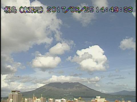 桜島、爆発的噴火は一晩で10回