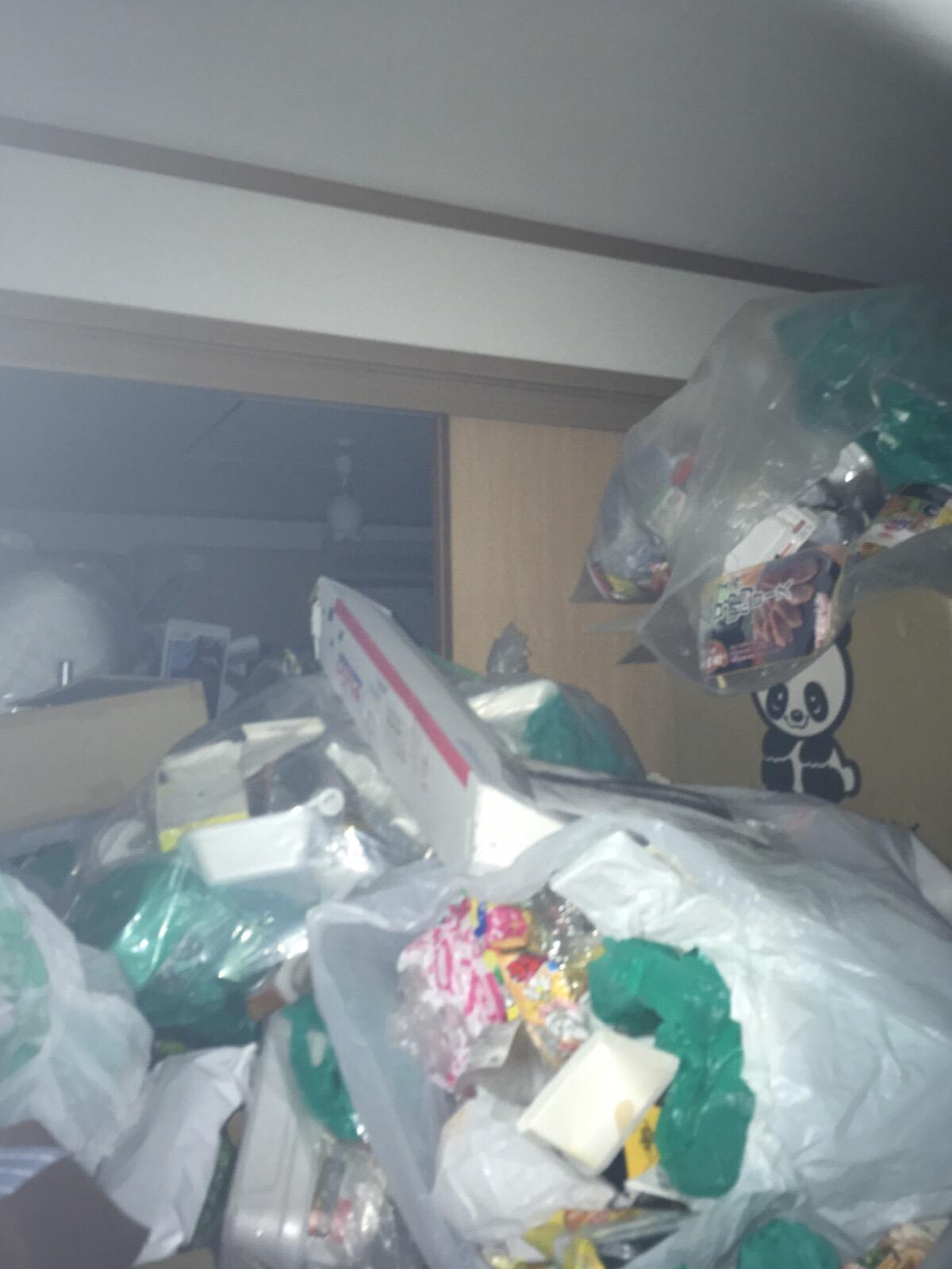 ニート 部屋 ゴミ屋敷