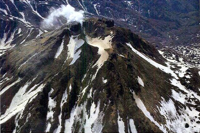 新潟焼山、噴火に注意 警戒レベル「2」に上がる可能性