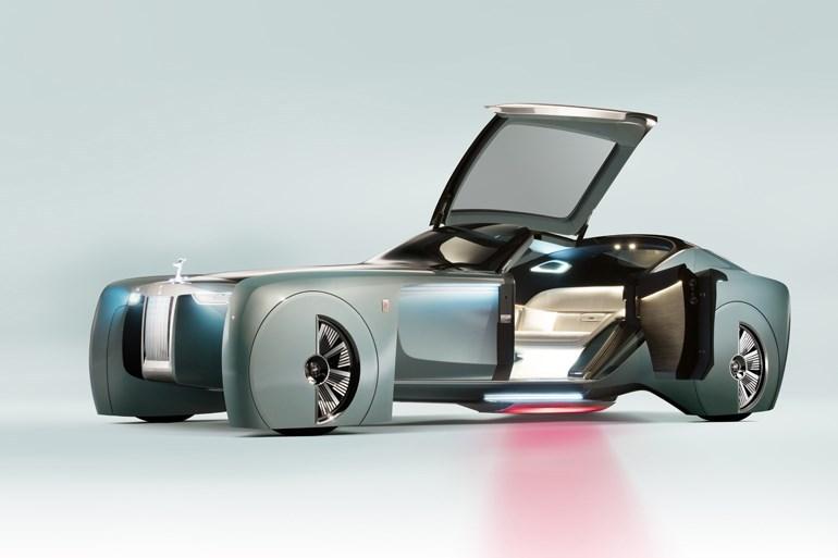 高級車の老舗・ロールスロイス、運転席にハンドルが無い究極な未来の高級車披露へ