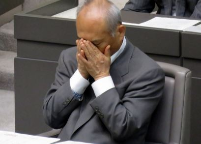 舛添都知事「リオオリンピックまでやらせてほしい」