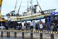 ホタテ漁船転覆、93歳母親と67歳息子死亡 - 青森