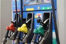 車のガソリンは常に満タンにしておく習慣を